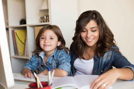 小学生英語は何から始める?教室よりも自宅学習が良い理由